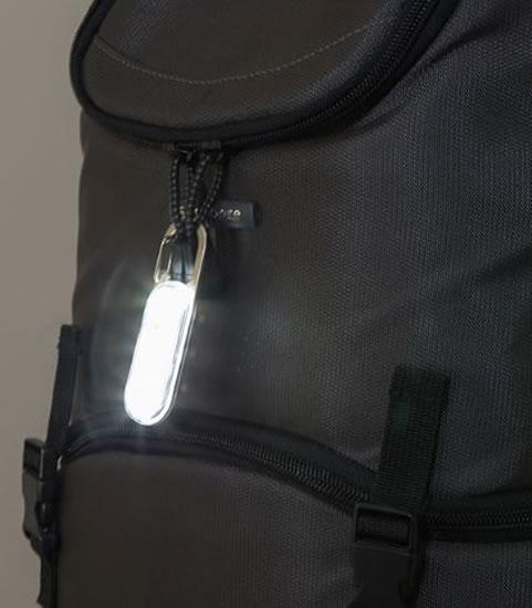 Pohybem aktivovaná svítící karabina